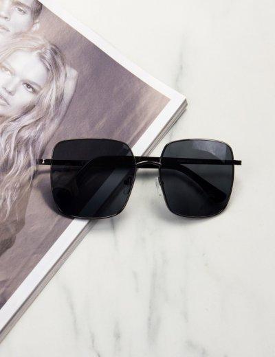 Γυναικεία μαύρα τετράγωνα γυαλιά ηλίου με ανθρακί μεταλλικό σκελετό Premium S9050Z