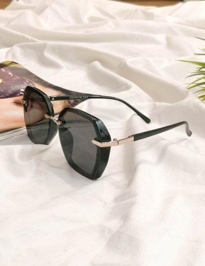 Γυναικεία μαύρα πολυγωνικά γυαλιά ηλίου με κοκκάλινο σκελετό Premium S1100L