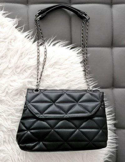 Γυναικεία μαύρη καπιτονέ τσάντα ανθρακί αλυσίδα 210345M