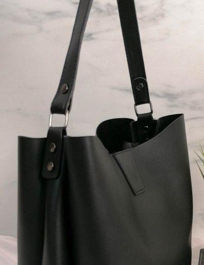 Γυναικεία μαύρη τσάντα ώμου με χειρολαβή 210343V