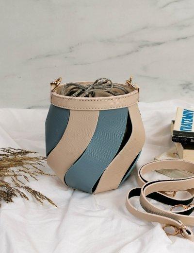 Γυναικείο μπεζ δίχρωμο τσαντάκι πουγκί 210347T