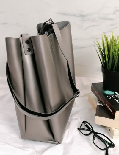 Γυναικεία ασημί τσάντα ώμου με χειρολαβή 210343A