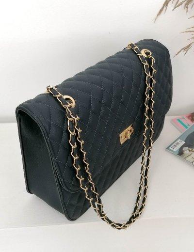 Γυναικεία μπλε καπιτονέ τσάντα ώμου με αλυσίδα χρυσή 060261A