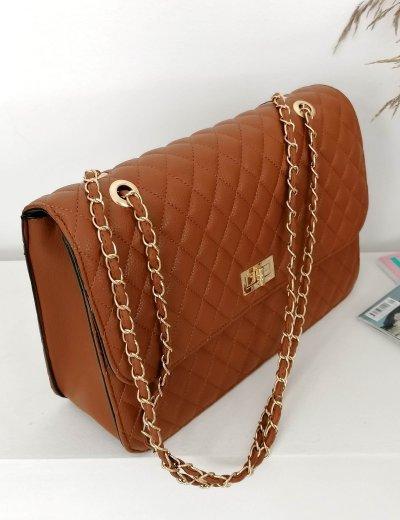 Γυναικεία κάμελ καπιτονέ τσάντα ώμου με αλυσίδα χρυσή 060261D