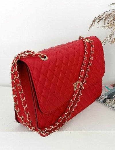Γυναικεία κόκκινο καπιτονέ τσάντα ώμου με αλυσίδα χρυσή 060261E