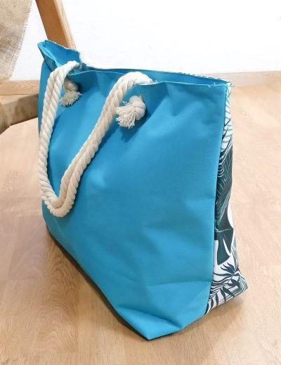 Γυναικεία γαλάζια τσάντα θαλάσσης με τύπωμα 213018B
