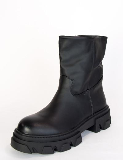 Γυναικεία μαύρα αρβυλάκια τρακτερτή σόλα G6611