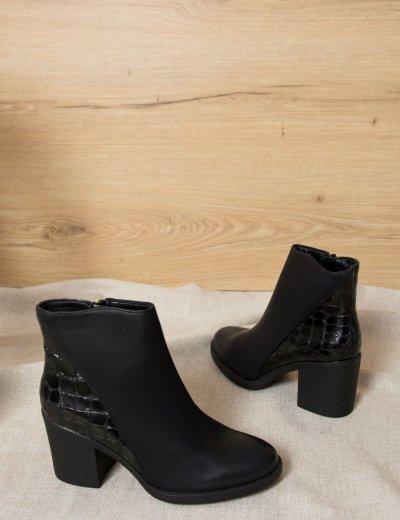 Γυναικεία μαύρα μποτάκια αστραγάλου με χοντρό τακούνι 187501M