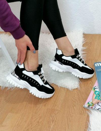 Γυναικεία μαύρα δίσολα Sneakers 531153T
