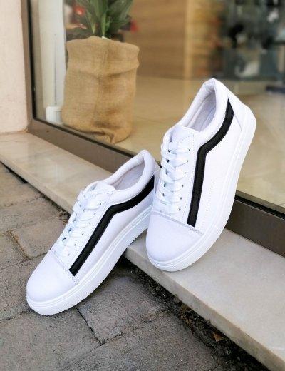 Γυναικεία λευκά  πάνινα Sneakers με μαύρη διχρωμία M622G